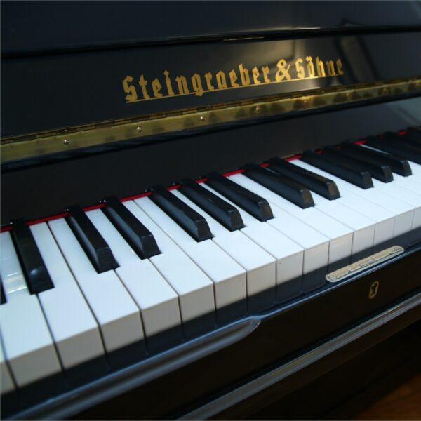 Steingraeber & Söhne Piano 115 K Schriftzug