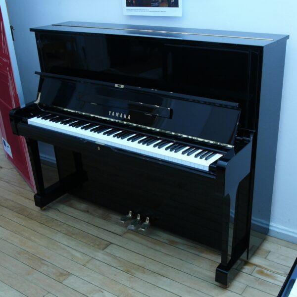 Yamaha U1H schwarz poliert