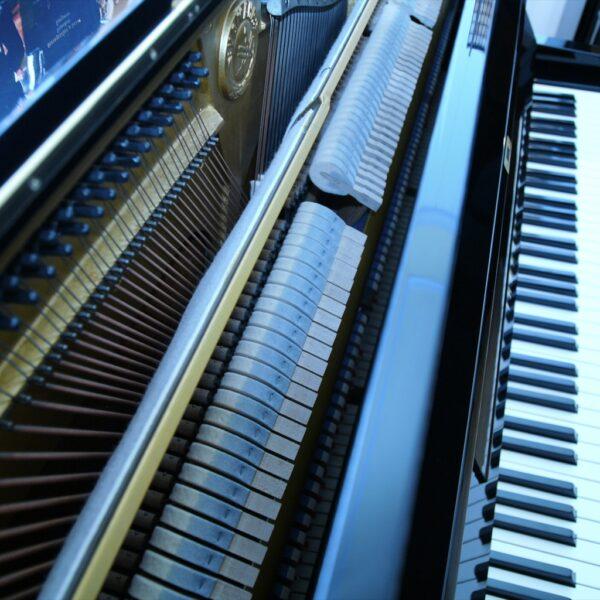 Klavier innen